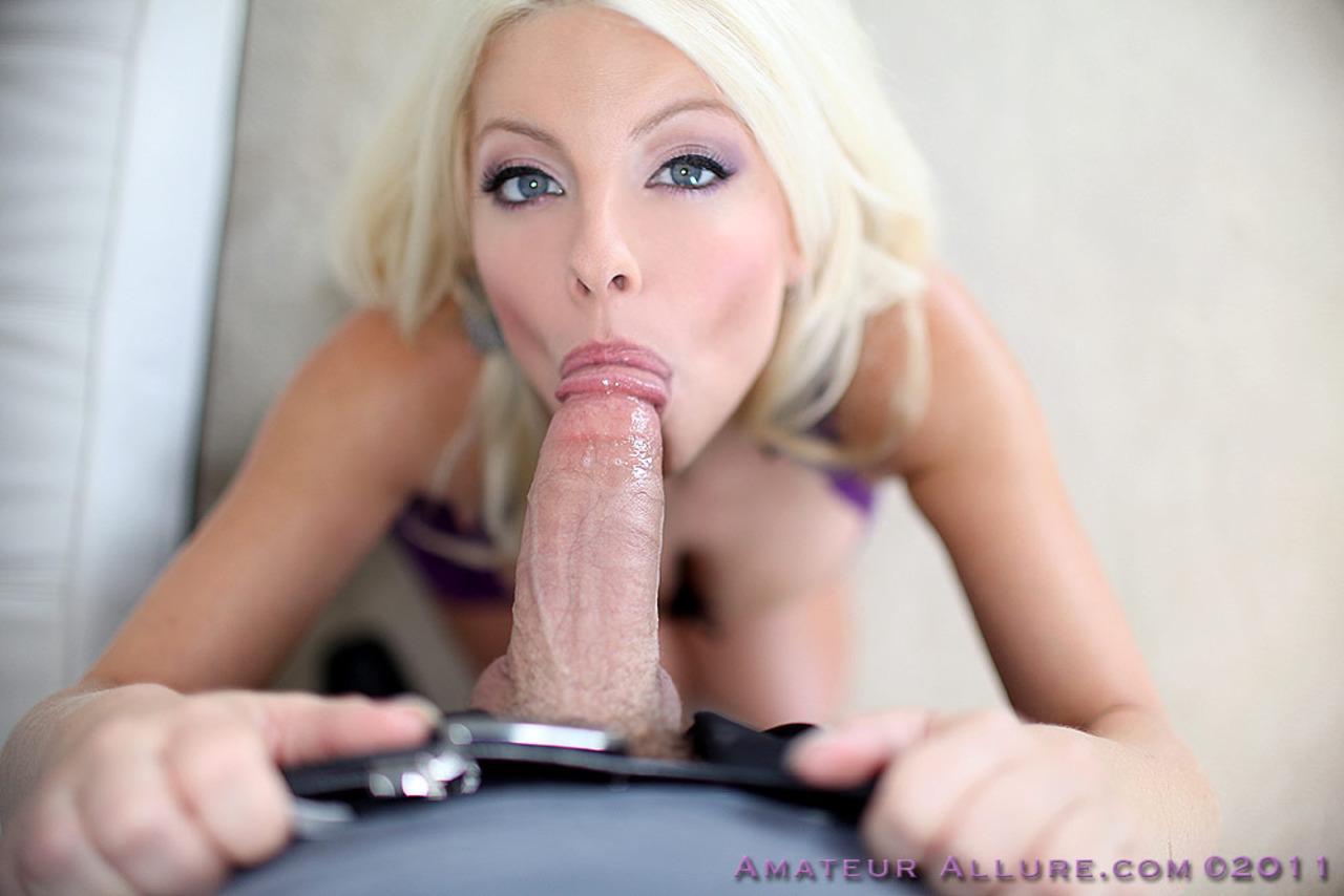 Сисястая блондинка с спермой на лице 4 фотография