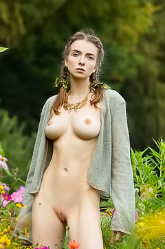 Naked babe in the field